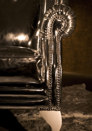 Viceroy Wing Chair Silver detail