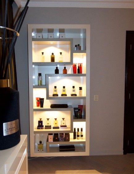 Parfum kast Brown  van Private Label SL